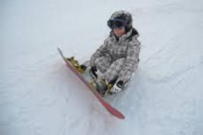 CORSI DI SCI E SNOWBOARD A MONGINEVRO VALANGA AZZURRA TORINO ANCHE I BIMBI SONO PRONTI A INIZIARE LA LEZIONE DI SURF A MONGINEVRO
