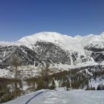 MONGINEVRO - NEVE SCI SNOW DIVERTIMENTO SPORT ARIA PURA CON VALANGA AZZURRA E CENTRO SCI TORINO